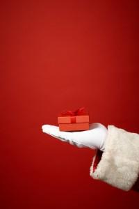 santa-holding-gift